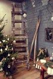 el árbol de navidad en bossage Fotos de archivo