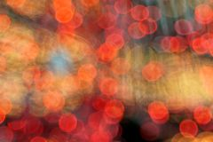 El árbol de navidad enciende el fondo colorido del bokeh Fotos de archivo