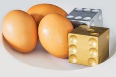El árbol eggs con de oro y de plata corta en cuadritos Imagen de archivo libre de regalías