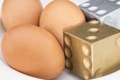 El árbol eggs con de oro y de plata corta en cuadritos Imagenes de archivo