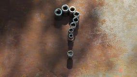 El ?rbol oxidado del fondo del metal de la herramienta de la construcci?n del signo de interrogaci?n no sombrea a nadie cantidad  almacen de video