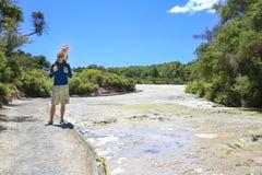 El área termal de Wai-O-Tapu, Nueva Zelanda Imágenes de archivo libres de regalías