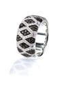 El ónix blanco y negro del diamante pavimenta la banda del anillo de la moda de la boda Imagen de archivo libre de regalías