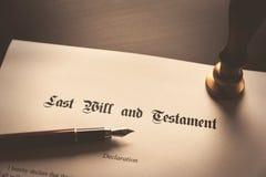 El último y el concepto del testamento fotos de archivo