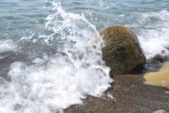 El ‹del †del ‹del †del mar agita rocas Fotografía de archivo libre de regalías