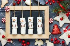 El Año Nuevo de la Navidad trata para los niños y las decoraciones del día de fiesta, diversión Imágenes de archivo libres de regalías