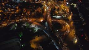 El abejón aéreo de la noche tiró de Estambul, Turkie Desde arriba de, centro de ciudad, céntrico Camino, tráfico de coche metrajes