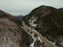 El abejón aéreo tiró de la muesca de Wilmington en el Adirondacks Fotografía de archivo