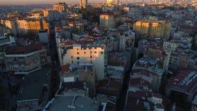 El abejón aéreo tiró de puesta del sol en Estambul, Turkie Desde arriba de, centro de ciudad, céntrico Bosphorus metrajes
