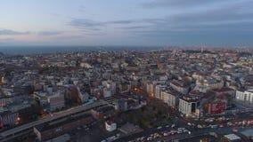 El abejón aéreo tiró de salida del sol en Estambul, Turkie Desde arriba de, centro de ciudad, céntrico Bosphorus metrajes