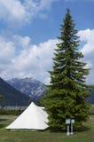 El acampar Imagen de archivo libre de regalías