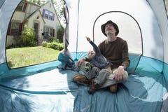 El acampar casero Imagenes de archivo