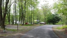 El acampar de la partida del fin de semana Fotografía de archivo libre de regalías