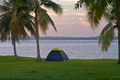 El acampar de la playa Foto de archivo