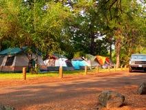 El acampar de la tienda Foto de archivo libre de regalías