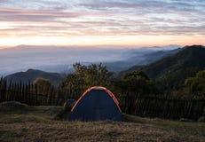 El acampar de la tienda Fotografía de archivo libre de regalías