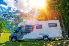 El acampar del campista Imagen de archivo