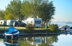 El acampar en Europa imagen de archivo