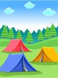 El acampar en Forest Background Fotos de archivo libres de regalías