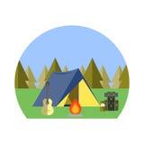 El acampar en las maderas Foto de archivo