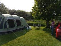 El acampar en el Reino Unido Fotos de archivo