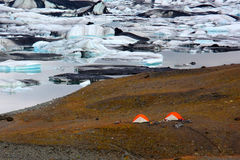 El acampar en yermo islandés Imagen de archivo libre de regalías