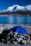 El acampar por la Laguna Verde Imagen de archivo