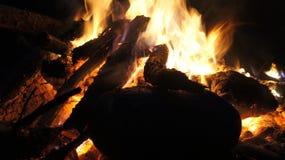 El acampar y fuego Imágenes de archivo libres de regalías
