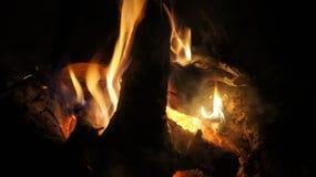 El acampar y fuego Imagen de archivo