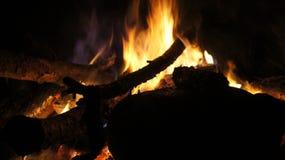 El acampar y fuego Imagen de archivo libre de regalías