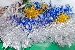 El accesorio hermoso adornó el árbol de navidad, chispear y a la hada Fotos de archivo