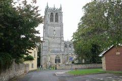 El acercamiento a la iglesia del ` s de St Mary, Tickhill, Doncaster, South Yorkshire fotografía de archivo