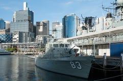El acorazado está amarrando en el museo marítimo nacional australiano, puerto querido imagen de archivo libre de regalías