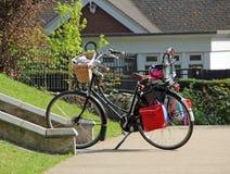 El Active al aire libre monta en bicicleta Imagen de archivo libre de regalías