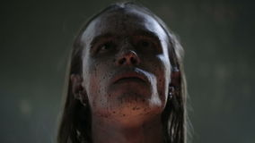 El actor pagano lo ruega matanza almacen de video