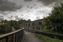 El acueducto y el viaducto del canal de Langollen en Chirk imágenes de archivo libres de regalías