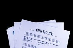 El acuerdo de contrato legal documenta los papeles fotografía de archivo