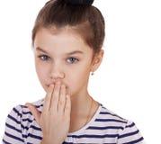 El adolescente de la niña cierra su boca Fotos de archivo libres de regalías