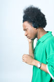 El adolescente del afroamericano escucha la música Fotos de archivo libres de regalías
