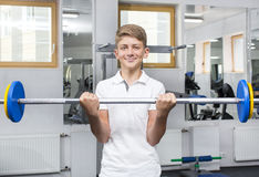 El adolescente del muchacho entra para los deportes Fotografía de archivo libre de regalías