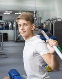 El adolescente del muchacho entra para los deportes Foto de archivo libre de regalías
