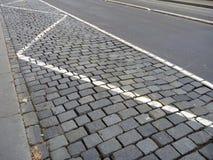 El adoquín empiedra el modelo de la calle en una ciudad Fotografía de archivo libre de regalías