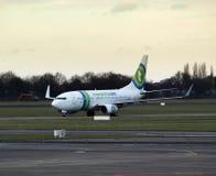El aeroplano de Transavia llega en Rotterdam Foto de archivo