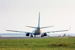 El aeroplano gira la pista Foto de archivo