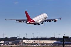 El aeroplano Qan A380 sube la pista Imagen de archivo
