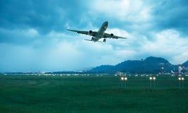 El aeroplano salió fotos de archivo