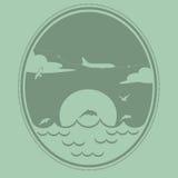 El aeroplano vuela sobre el mar Fotografía de archivo