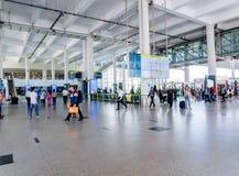 El aeropuerto internacional de Kualanamu coge y cae apagado área con la presentación de la información del vuelo foto de archivo