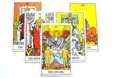 El afecto de las sociedades de las opciones del amor de las cartas de tarot de los amantes ilustración del vector