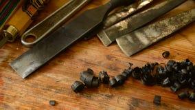 El afeitar de madera del ébano almacen de metraje de vídeo